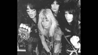 Mötley Crüe- Use It Or Lose It