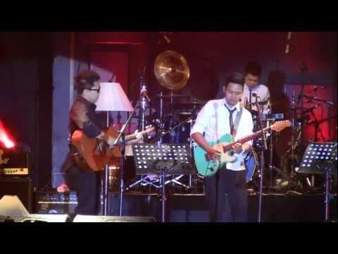 Sandhy Sondoro - Bunga Mimpi ft. Glenn Fredly ~ Superstar @ Central Park [HD]