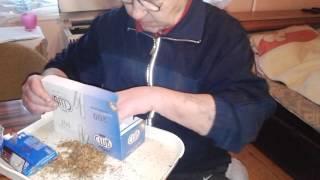 Repeat youtube video Gazdaségos cigaretta töltés