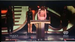 Taylor Swift - 2014 iHeartRadio Music Festival - Love Story - NEW POP version Remix Live HD