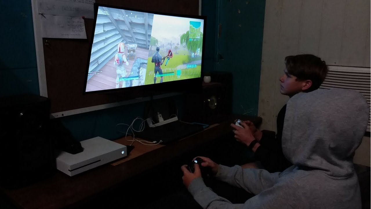 How To Split Screen In Fortnite Xbox One