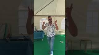 Альберт Резин танцует