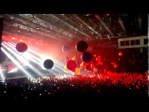 Атмосфера на концерте 30 Seconds To Mars в Воронеже