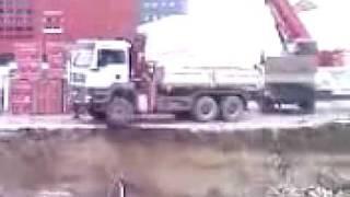 Kamion na gradilištu 2