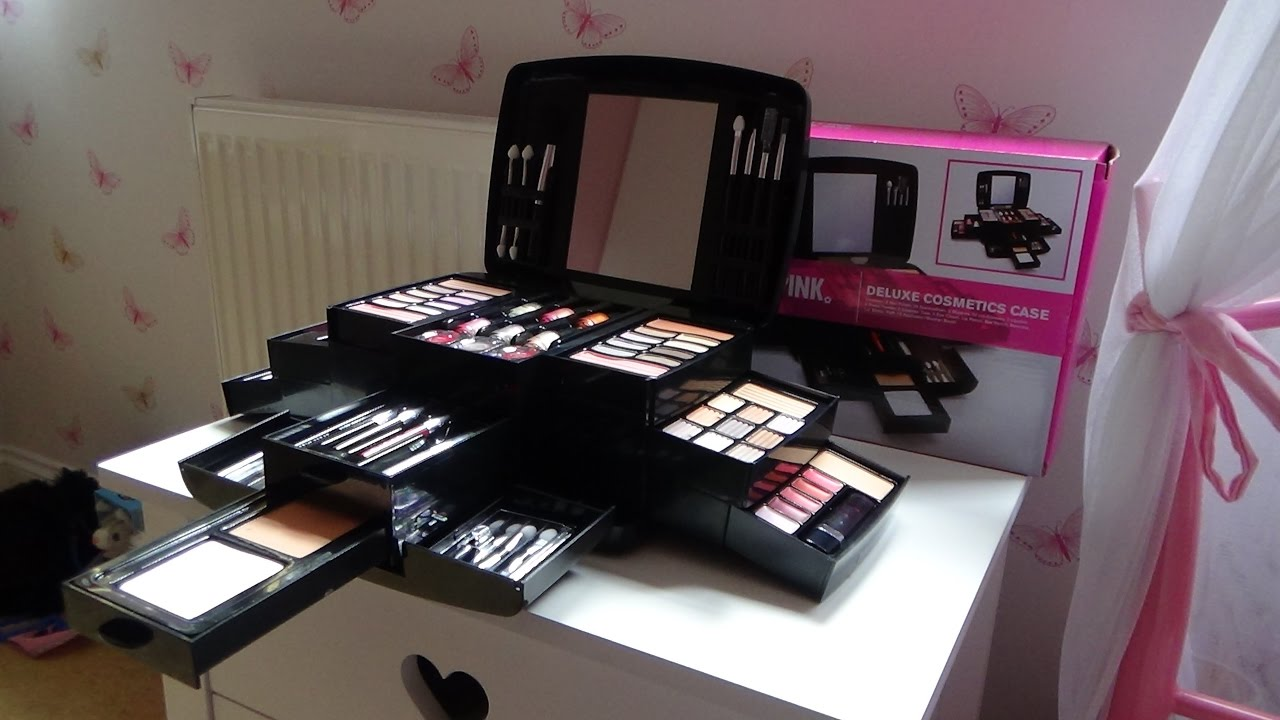 prettypink deluxe cosmetics make up case from argos youtube. Black Bedroom Furniture Sets. Home Design Ideas