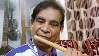 Mujhe teri mohabbat ka sahara....song from the film Ap aye bahar auee played on flute.