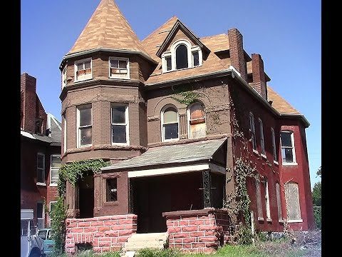Giant 3 story abandoned Victorian Super Old home St. Louis