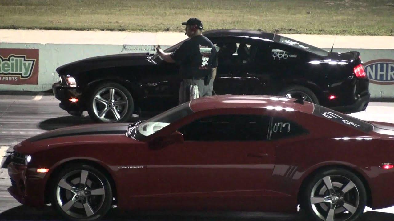 Camaro Vs Mustang >> 2010 Camaro SS vs 2011 Mustang GT 5.0 - YouTube