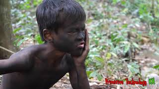 Primitive Technology - Eating delicious - Smart boy cooking Big fish
