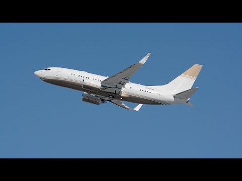MGM Mirage Private Boeing 737-700 [N720MM] Departing LAX.