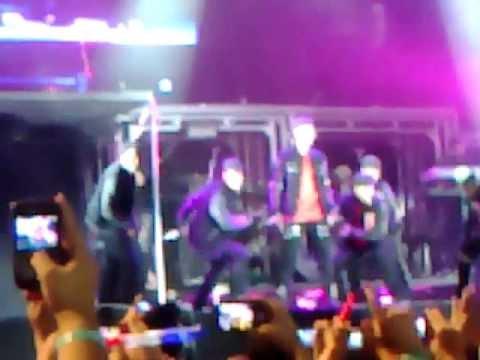 Justin Bieber singing Baby - Brazil, Sao Paulo - October 08th 2011 Concert