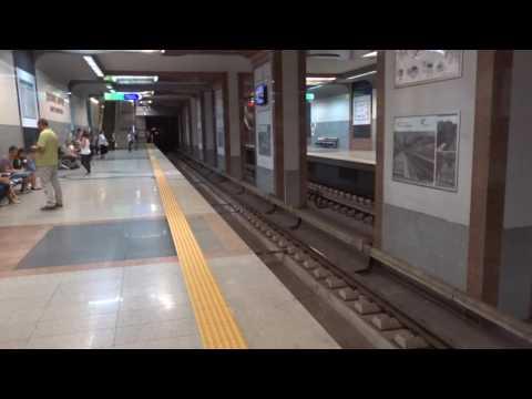 アキーラさん観察②ブルガリア・ソフィア・地下鉄!Metro in Sofia in Bulgaria