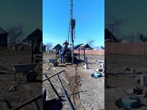Дизель-Молот ДМ-240 забивает сваю 4 метра