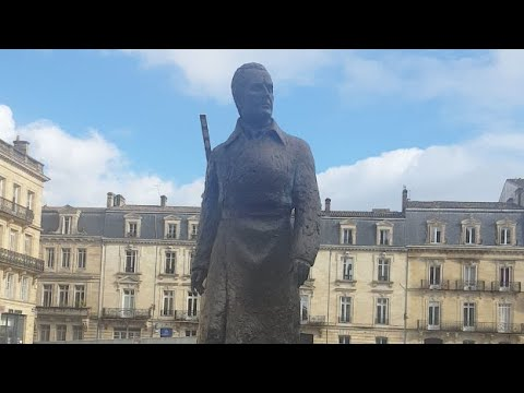 Globe Lie Euro Tour Bordeaux, France thumbnail