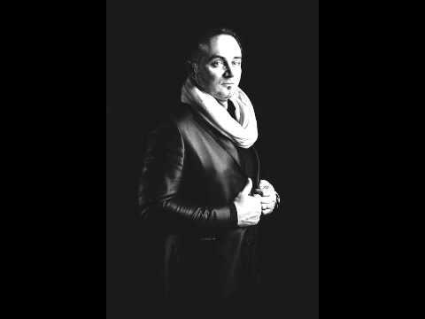 Der Crossover Pop Tenor ENZO D. mit dem Lied Hallelujah in italienischer Sprache
