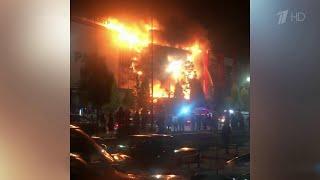В Чеченской Республике выясняют причины пожара в самом большом торгово-развлекательном центре.