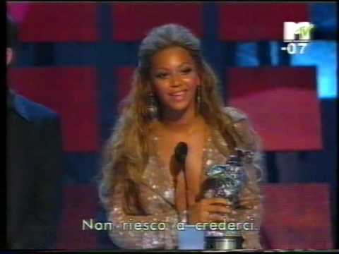 Beyoncé Receives Awards @ MTV Video Music Awards 2003