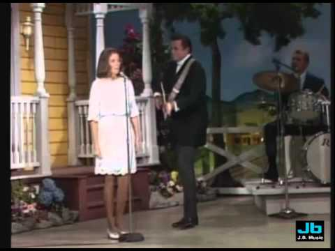 Johnny Cash And June Carter Jackson Grand Old Opry 1968 Youtube