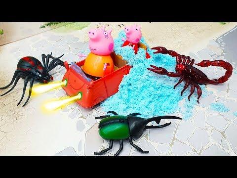 Видео для детей с игрушками Робокар Полли Пеппа - Жуки атакуют семью свинок! Мультики про машинки.