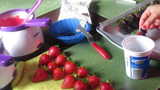 How to make Mickey Mouse Strawberries