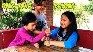 Gambar cover Bermain Tong tong Bolong dan Makan Pempek Kapal Selam 💙 Playing Traditional Game