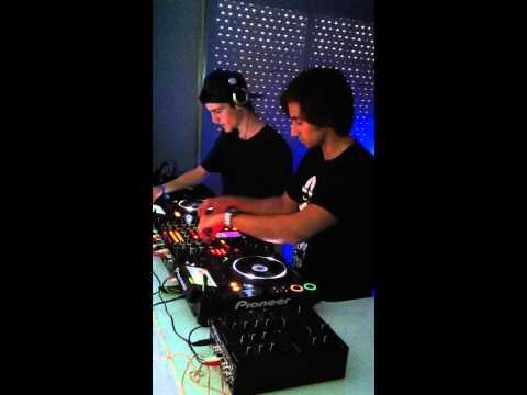 CURSOS DE DJ EN MADRID, ARTIST AT WORK, DESDE 150€