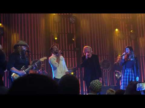 Chris Stapleton w/Little Big Town - Tennessee Whiskey