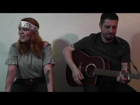 Back to Black - Amy Winehouse (por Lady Godiva Acoustic Rock & Pop)