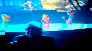 Элвин и бурундуки 2- Single Ledies