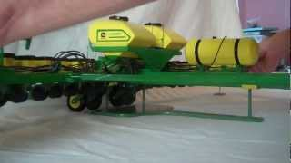 104 John Deere Wooden Planter