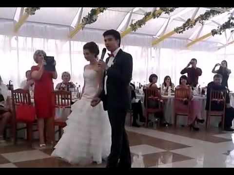 Дуэт жениха и невесты на свадьбе