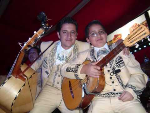 TRISTES RECUERDOS  CON EL MARIACHI CONQUISTADORES DE AMERICA Y JOSE JULIAN