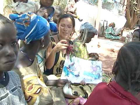 A Peace Corps Volunteer Educates Her Community About Maternal Health in Mali