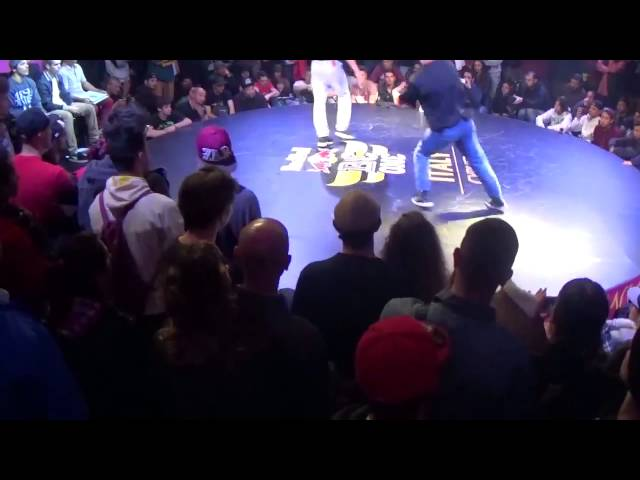 Yaio vs Matthew - Red Bull BC One Italy Cypher 2015