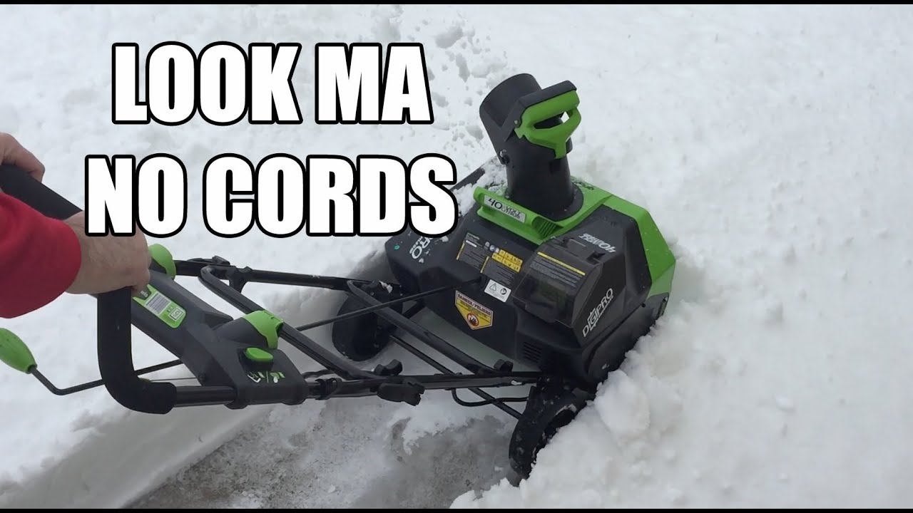 Greenworks Cordless 40V Electric Snow Blower - YouTube
