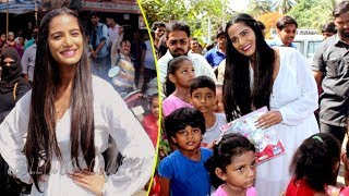 Poonam Pandey Distributes Raincoats To Street Children | Bollywood Nightout