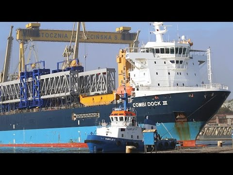 1,500 Tons Combi Dock III Heavy Lift Ship Van Haagen Kraan Offshore Windpark