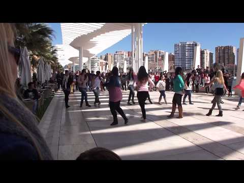 Flashmob Muelle Uno Bruno Mars Marry You