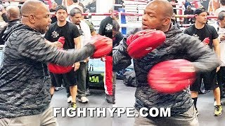 ROY JONES JR. TEACHES SIGNATURE MOVES; DROPS GEMS ON