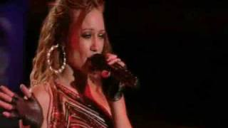 Hilary Duff - I Wish (Live at the Gibson Amphitheatre)
