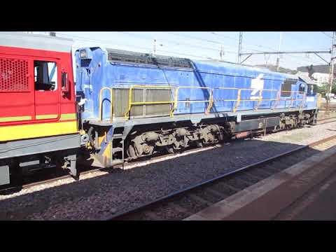BLUE TRAIN AT PRETORIA STATION