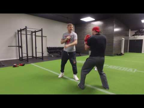 Olympic Medalist (Boxing) Tony Jeffries Teaches Justin How to Box!