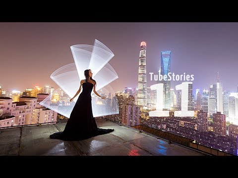 Light-painting tricks in Shanghai, China - Tube Stories 11