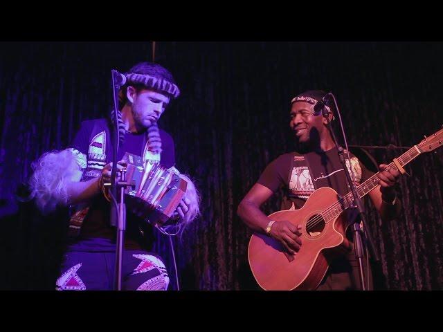 Qadasi & Maqhinga - KwaNobamba (Live)