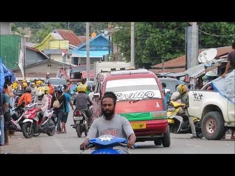 Melihat Kesibukan Kota Manokwari dari Berbagai Sudut Kota