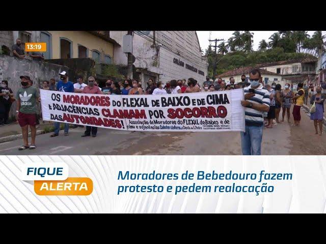 Moradores de Bebedouro fazem protesto e pedem realocação