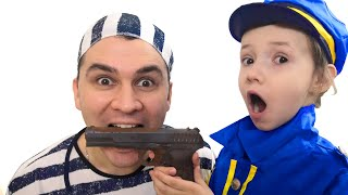 Uliana and daddy playing in chocolate and real! تحدي الشوكولاته