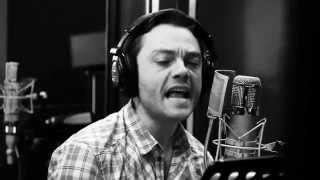 """Tiziano Ferro recording """"Al Amor Es Una Cosa Simple"""""""