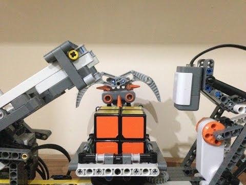 MindCuber2x ,The Coolest LEGO 2x2 Rubik's Cube solving robot!