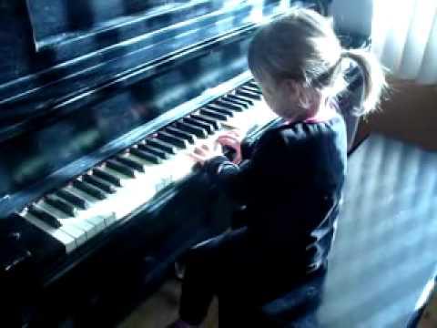 rhianna joue du piano 021 youtube. Black Bedroom Furniture Sets. Home Design Ideas